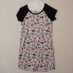 Wonder nation size small night gown